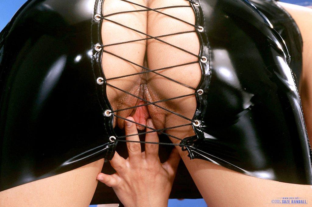 Порно фото в латексе коже